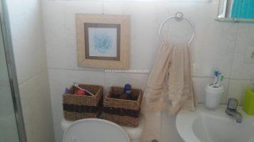 Veja como ganhar espaço na sua casa ou apartamento pequeno Armazenamento e Prateleiras Casa e Jardim